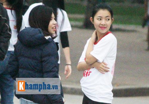 """Hot girl MU Tú Linh, hoa khôi bóng đá """"Chạy vì trái tim"""" - 6"""
