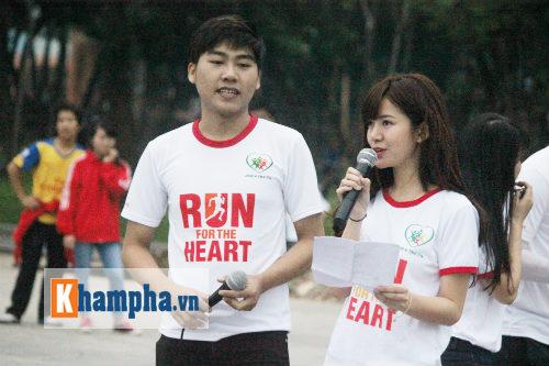 """Hot girl MU Tú Linh, hoa khôi bóng đá """"Chạy vì trái tim"""" - 11"""