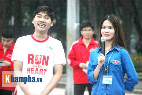 """Hot girl MU Tú Linh, hoa khôi bóng đá """"Chạy vì trái tim"""" - 13"""