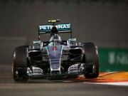Thể thao - Chạy thử Abu Dhabi GP: Nội chiến Mercedes