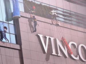Tin tức trong ngày - Ảnh: Diễn tập giải cứu 3.000 người trong nhà cao tầng cháy nổ