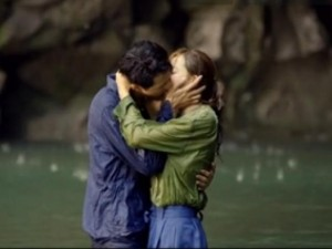 Video phim: Nụ hôn dưới nước của mỹ nam Jo In Sung