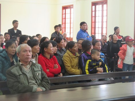 """""""Thủ lĩnh"""" nhóm 23 người ném mìn vào lễ ăn hỏi lãnh án tù - 2"""