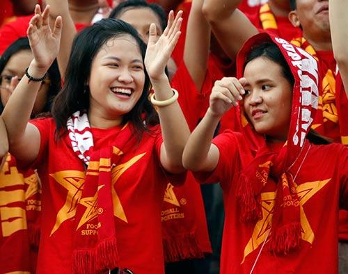 Công Phượng rực sáng, fan mở hội lớn ở U21 Clear Men Cup - 7