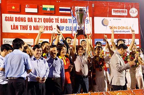 Công Phượng rực sáng, fan mở hội lớn ở U21 Clear Men Cup - 11