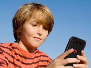 Top 5 điện thoại an toàn cho trẻ em
