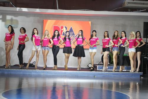 Mẫu Việt 2 con vẫn đăng quang Hoa Hậu Toàn cầu 2015 - 13