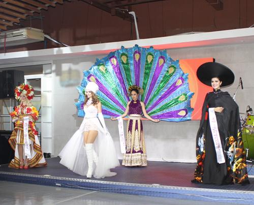 Mẫu Việt 2 con vẫn đăng quang Hoa Hậu Toàn cầu 2015 - 11