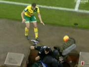 Bóng đá - Oezil & Sanchez suýt gặp họa vì máy quay