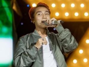 Ca nhạc - MTV - Sơn Tùng hát dưới mưa khiến khán giả phấn khích