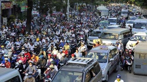 Chi gần 2.200 tỷ đồng, Hà Nội có giảm được ùn tắc? - 1