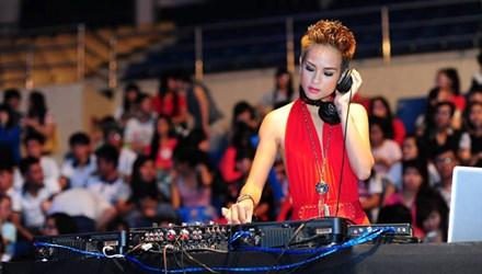 Góc khuất nghề DJ của những bóng hồng - 2