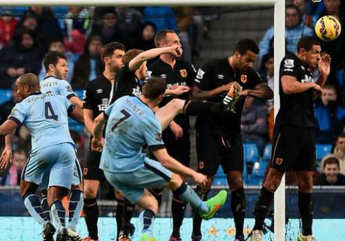 Manchester City – Hull City: Danh hiệu không còn xa - 2