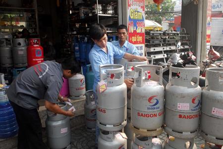 Từ 1/12, giá gas tăng 16.500 đồng/bình - 1