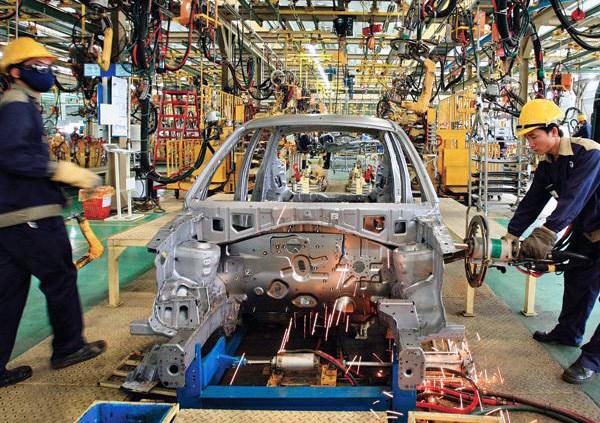 Lại đề xuất bỏ thuế nhập khẩu linh kiện ô tô - 1