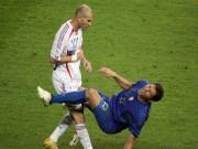 """Bóng đá - Học ông bố, con trai Zidane thí võ """"thiết đầu công"""""""
