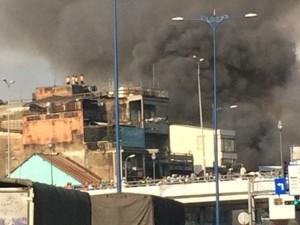 Tin tức trong ngày - Nhiều căn nhà cháy rụi giữa trung tâm TP.HCM