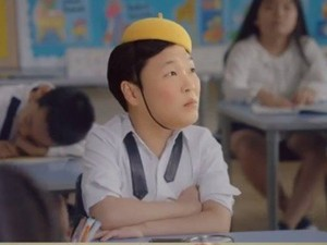 """""""Cha đẻ Gangnam Style"""" tái xuất """"san bằng"""" mọi thứ hạng"""