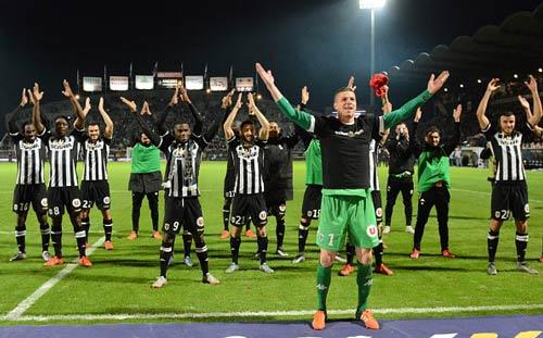 Angers - PSG: Nụ cười của những chàng tí hon - 1