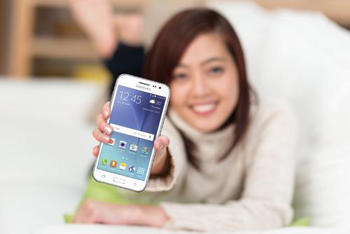 """Giới trẻ Việt háo hức đón """"bão"""" 4G cùng Galaxy J2 - 1"""