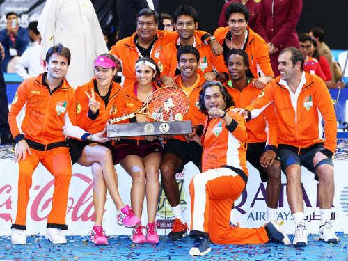 """Tennis Ngoại hạng 2015: """"Team Federer"""" thắng trận ra quân - 3"""