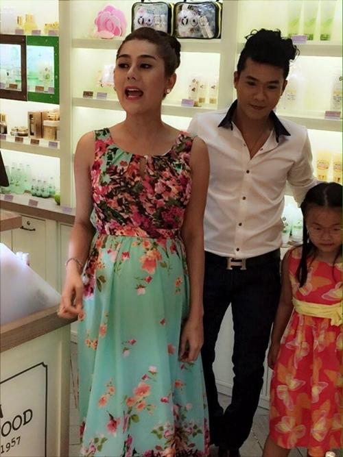 """Lâm Chi Khanh """"dở khóc dở cười"""" vì ảnh mang bầu - 2"""