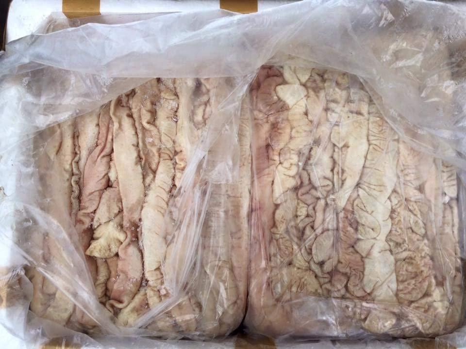Gần 1 tấn nội tạng thối bị bắt trên đường đi tiêu thụ - 2