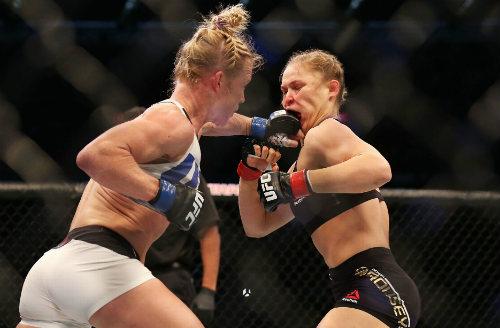 Ronda Rousey tái xuất sau trận thua lịch sử - 1