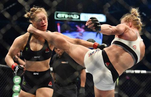 Ronda Rousey tái xuất sau trận thua lịch sử - 2