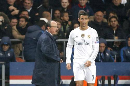 Real sa sút: Chấn thương, Benitez và Ronaldo - 2