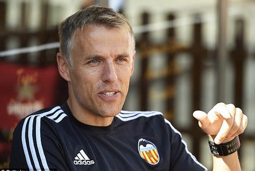 NÓNG: Anh em Neville bất ngờ dẫn dắt Valencia - 2