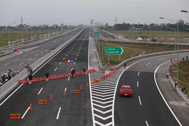 Ngắm cao tốc hiện đại nhất Việt Nam trước ngày thông xe - 10