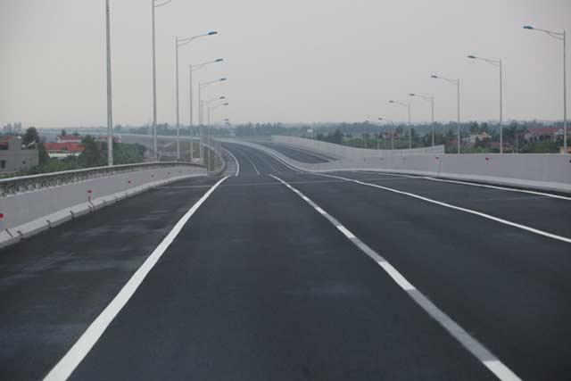 Ngắm cao tốc hiện đại nhất Việt Nam trước ngày thông xe - 14
