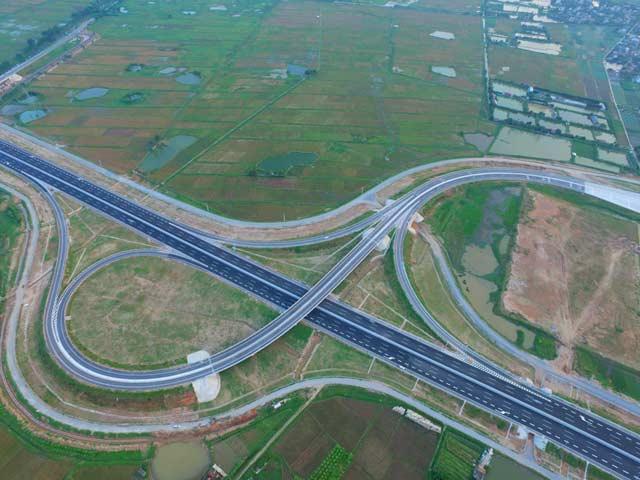 Ngắm cao tốc hiện đại nhất Việt Nam trước ngày thông xe - 5