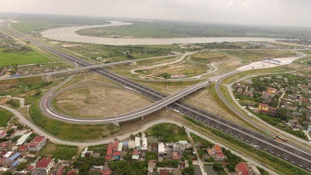 Ngắm cao tốc hiện đại nhất Việt Nam trước ngày thông xe - 7