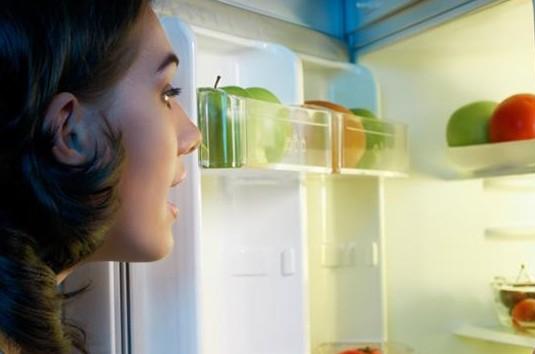 Thói quen ăn uống hủy hoại nhan sắc nhiều người đang mắc phải - 1
