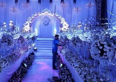 Đám cưới xa hoa của con trai gia đình có căn nhà 300 tỷ - 8