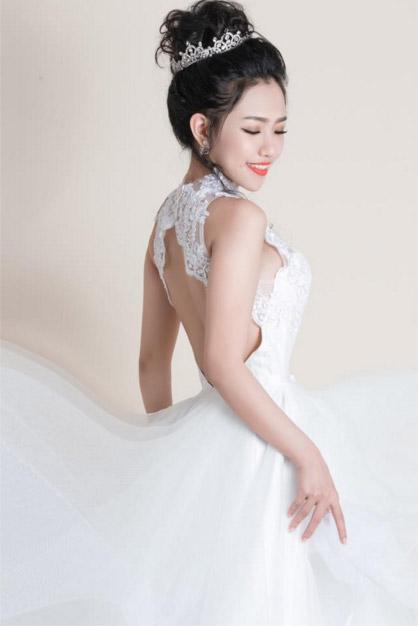 Hotgirl Joxy Thùy Linh đẹp tựa thiên thần trong bộ ảnh cưới - 5