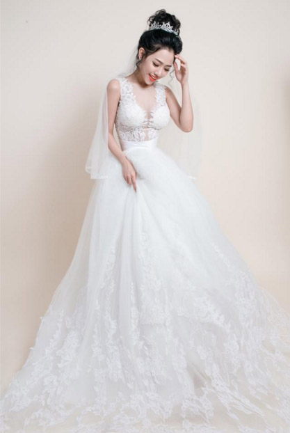 Hotgirl Joxy Thùy Linh đẹp tựa thiên thần trong bộ ảnh cưới - 6