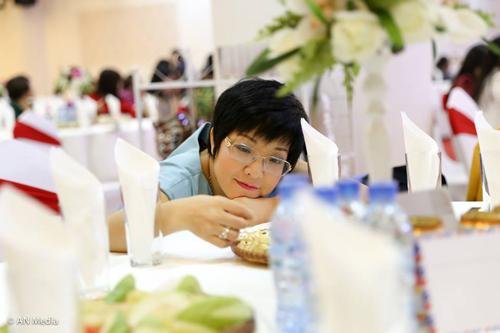 """Facebook sao 4/12: Hồ Ngọc Hà """"chả có gì... chỉ có già"""" - 2"""