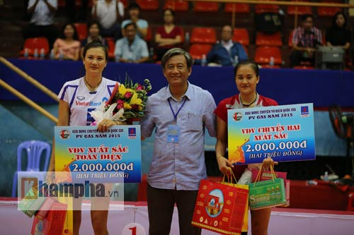 Linh Chi: Thoát khỏi mác hot girl bóng chuyền - 10