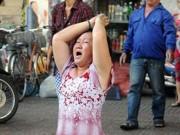 Tin tức trong ngày - Phụ nữ quỳ lạy trong vụ cháy ở trung tâm TP.HCM nói gì?