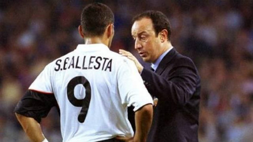 """Benitez, Wenger và những sai lầm """"khó đỡ"""" - 1"""