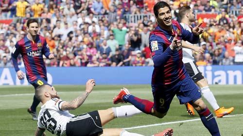 "Valencia – Barca: Gary Neville ""né đòn"" - 2"