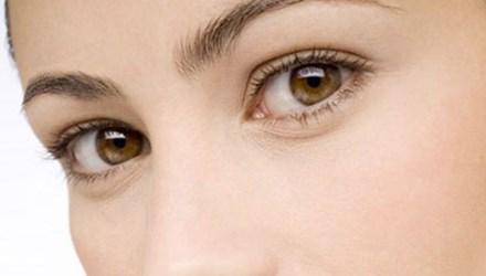 Đoán bệnh nguy hiểm qua màu sắc của mắt - 1