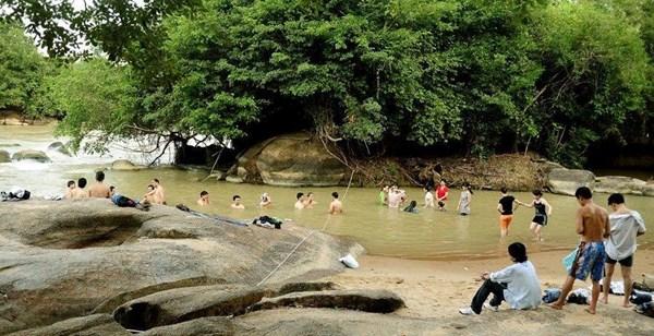 """Gợi ý 5 địa điểm dã ngoại """"mới toanh"""" gần Sài Gòn - 15"""