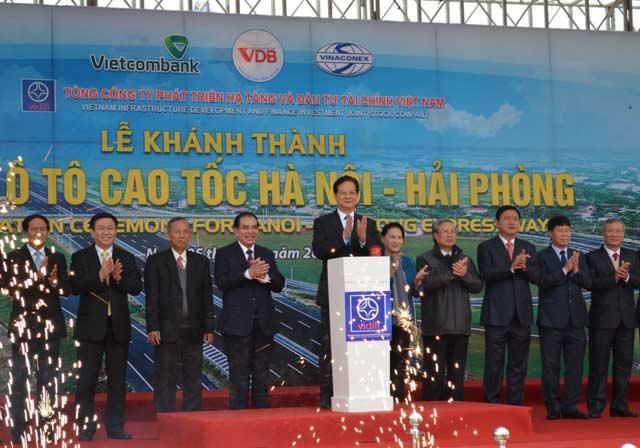 Thủ tướng phát lệnh thông xe cao tốc hiện đại nhất Việt Nam - 1
