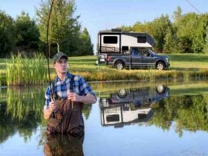 Ô tô - Xe máy - Ngắm mẫu xe cắm trại du lịch độc đáo của Ford
