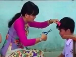 Bạn trẻ - Cuộc sống - Gặp cô giáo cắt tóc học sinh trong lớp gây tranh cãi