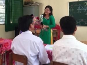 Tin tức trong ngày - Địa phương xin lỗi cô giáo chê cầu sập trên Facebook